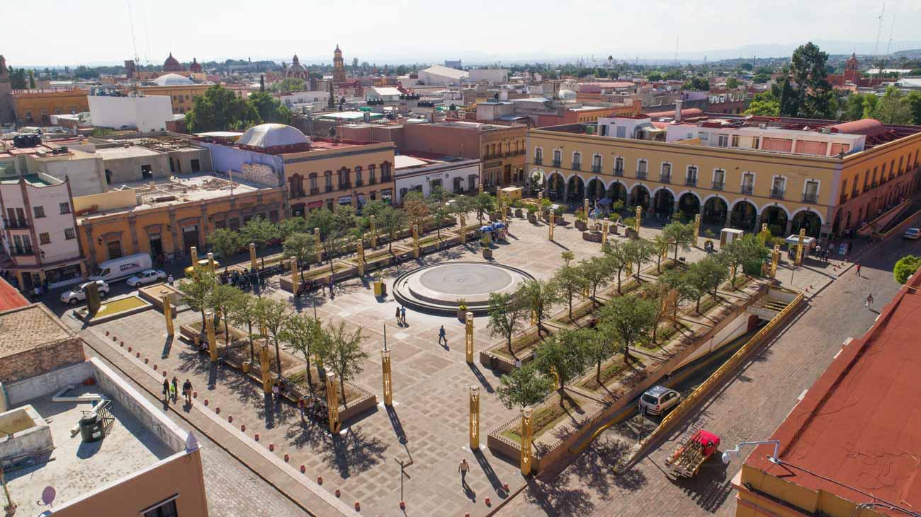 Plazas y jardines de quer taro que puedes visitar lugares for Jardin zenea queretaro