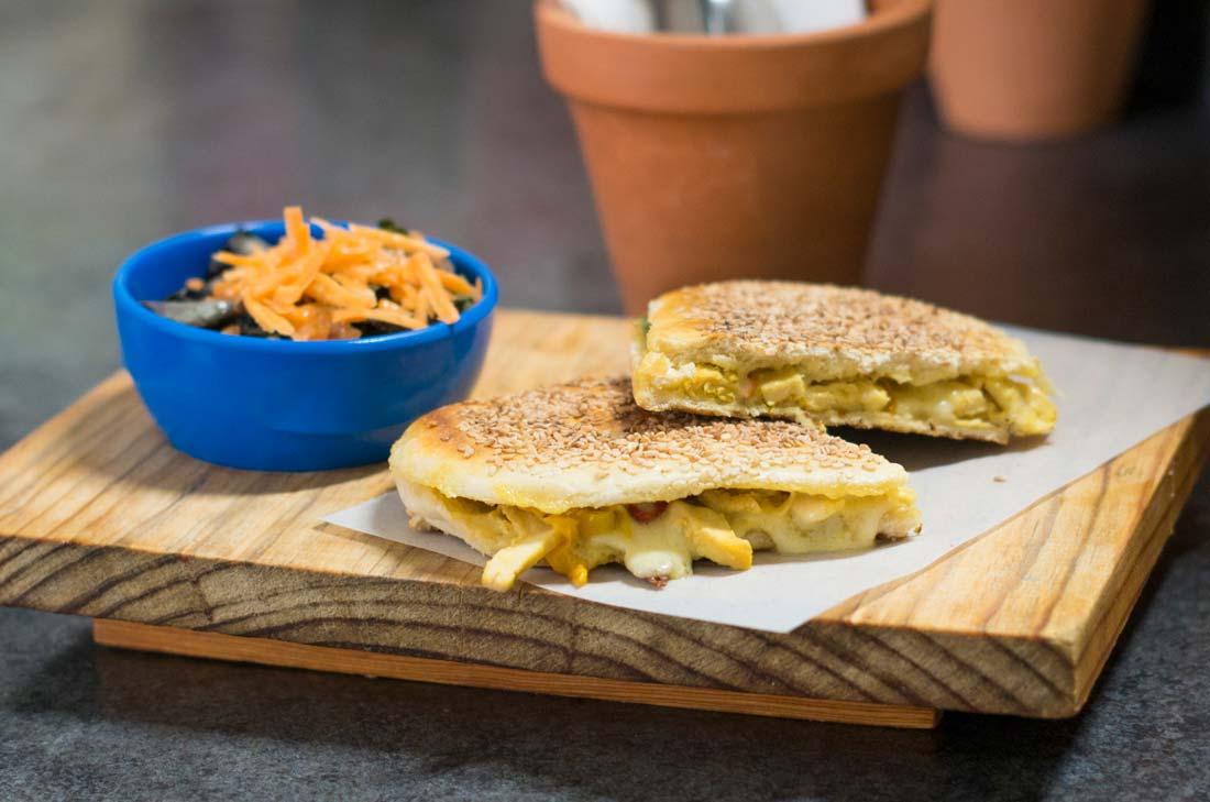 Baguette de pollo a la plancha, Maco Café